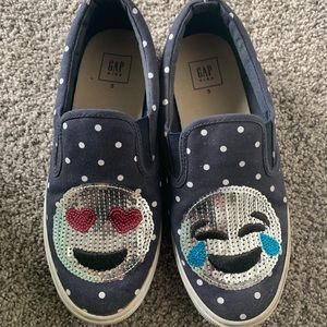 B2G1 Gap Kids blue polka dot emoji shoes